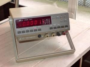 岩通のデジタルマルチメーター VOAC-7411